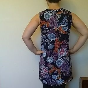 DR2 Tops - DR2 floral high low blouse Size XS